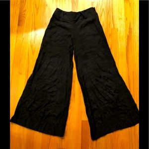 New Semi-Sheer wide leg Flowing Pants Sz Small